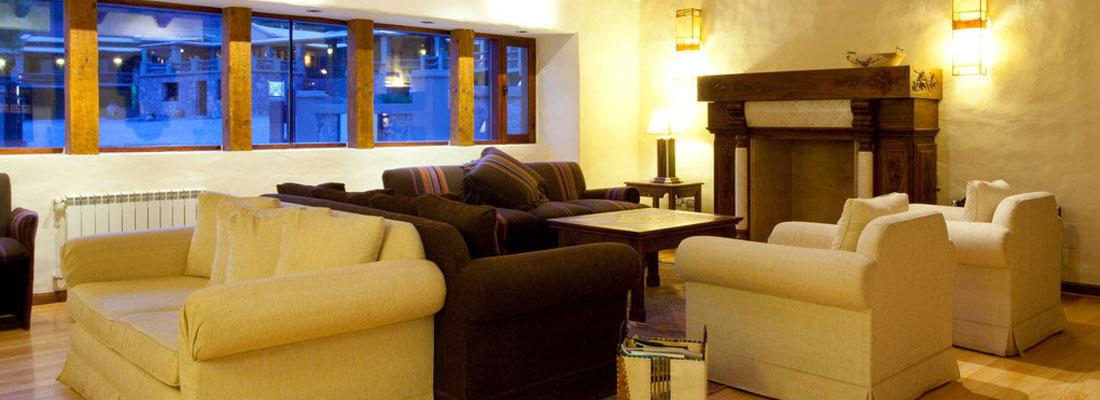 Sala de estar del Hotel Marqués de Tojo en Jujuy, Argentina